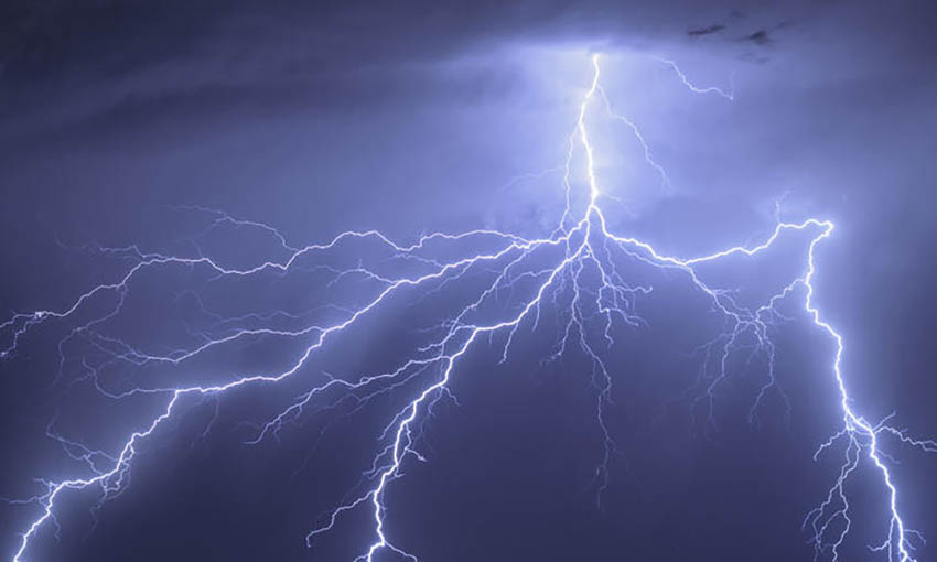 thumbnail_eight_col_lightning-thumb